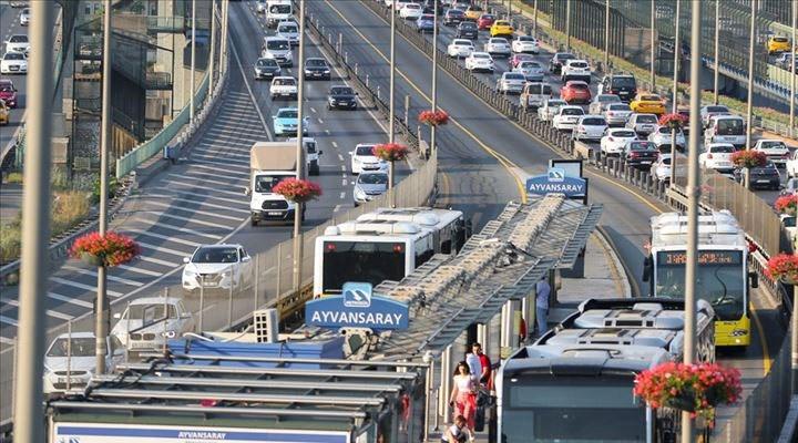 İstanbul'da sağlık çalışanlarına ücretsiz ulaşım hakkının süresi uzatıldı