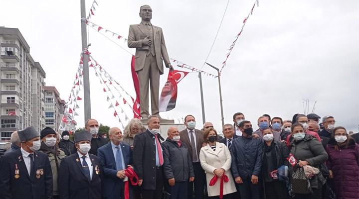 Çiğli'de Çanakkale Zaferi anısına Atatürk heykeli