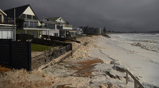 Avustralya sele teslim: 18 bin kişi tahliye edildi