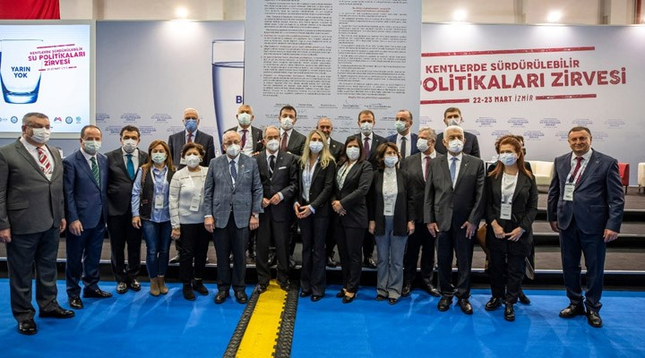 CHP'li 11 büyükşehir belediye başkanı 'Su Manifestosu' açıkladı