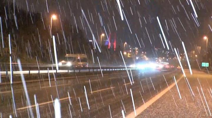 İstanbul'da kar ve dolu yağışı