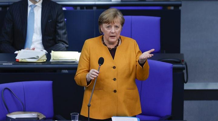 Merkel: Türkiye'nin insan hakları standartlarını yükselteceğini umuyoruz
