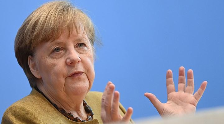 Merkel: Yeni virüs çok daha agresif, daha bulaşıcı ve daha ölümcül