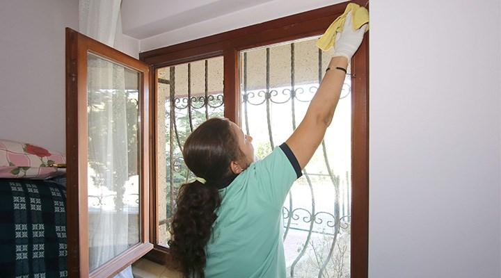 Ev işçileri sosyal güvenceden ve yardımdan mahrumlar