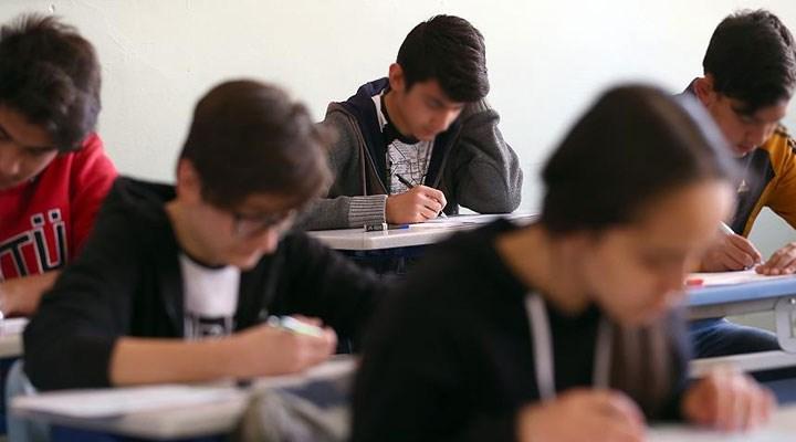MEB'in sınav ısrarına tepkiler sürüyor: Hayatlarımız umursanmıyor!