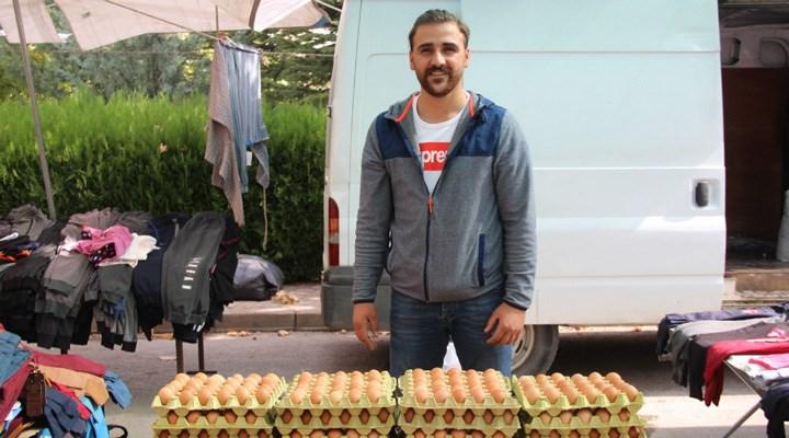 Aynı ülke, iki farklı tablo: Türkiye şampiyonu, geçinemediği için yumurta satıyor