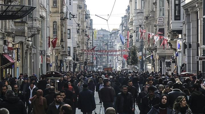 """İşsiz gençlerin yüzde 79.3'ü """"Türkiye'de fırsat eşitliği yok"""" diyor"""
