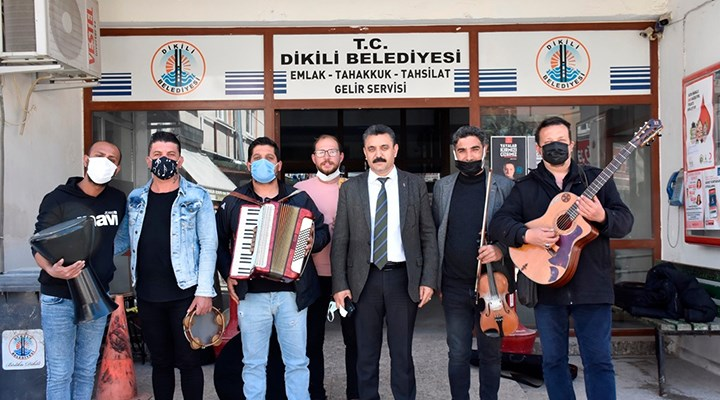 Dikili Belediyesi'nden müzisyenlere destek