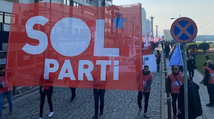 SOL Parti, Artvin'de gözaltı gerekçesi yapılan İstanbul Sözleşmesi pankartını genel merkeze astı