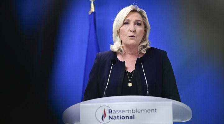 Aşırı sağcı Marine Le Pen, 2022'deki cumhurbaşkanlığı seçimine adaylığını açıkladı