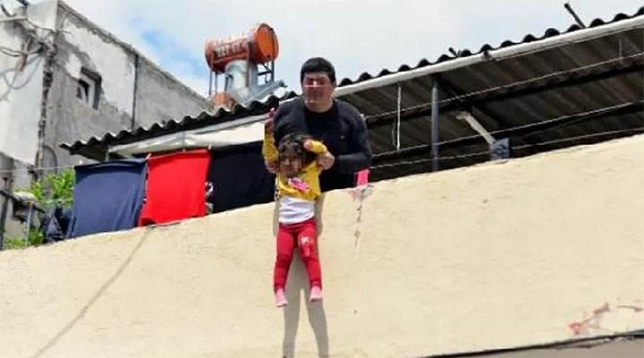"""Adana'da bir adam, kızını damdan sarkıtıp """"büyü bozulacak"""" diye bağırdı"""