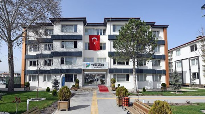 AKP'li belediyenin 'dönülmeyen Almanya gezisinden' dönenler görevden uzaklaştırıldı