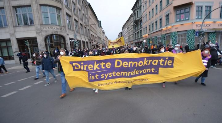 Aleyhlerindeki karar ardından Berlin'de kiracılar sokağa çıktı