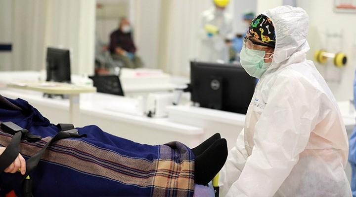 Hastanede iki kez yataktan düşen koronavirüs hastası hayatını kaybetti