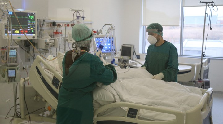 Yoğun Bakım Derneği Başkanı Prof. Dr. Cinel: Virüs silah değiştirdi, çok genç hastalarımız var