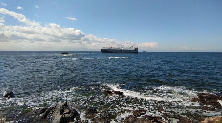 180 metrelik gemi, Tuzla'da karaya oturdu