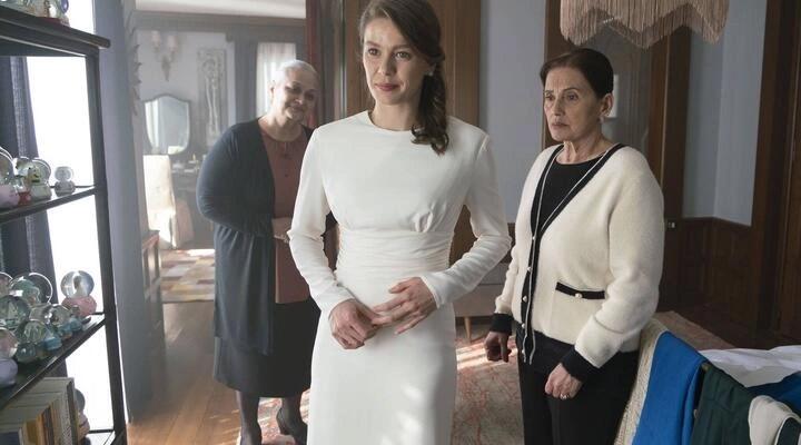 Camdaki Kız dizisinde yer alan 'bekaret testi' sahnesine sosyal medyada tepki