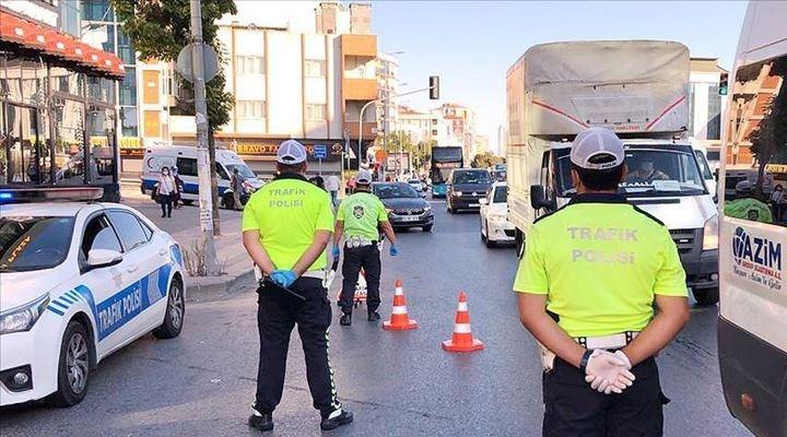 İçişleri Bakanlığı, 'tam kapanma' kısıtlamalarından kimlerin muaf olacağını duyurdu