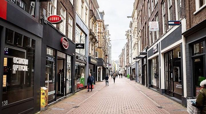 Hollanda'da sokağa çıkma kısıtlaması sona erdi