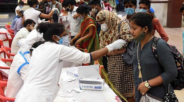 Hızlı tırmanış sürüyor: Hindistan'da Covid-19 vaka sayısı 20 milyonu geçti