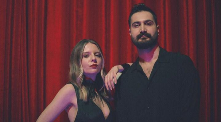 Sidar Baran Taş ve Ceyda Safçı'dan düet: 'Dağılmış Sahne' dinleyiciyle buluştu