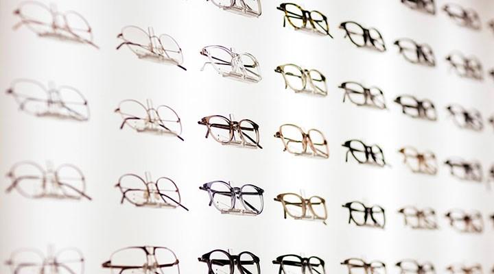 'Tam kapanma'da gözlükçü krizi