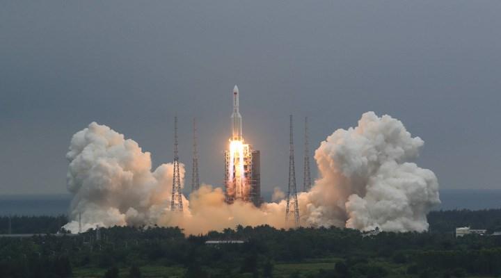 Çin'in uzaya gönderdiği roket, kontrolden çıktı: 10 Mayıs'ta dünyaya düşmesi bekleniyor