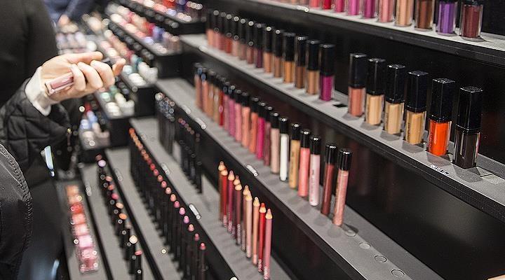 Sahte kozmetik ürünler tehlike saçıyor: 220'sinden 145'i  teknik düzenlemeye aykırı çıktı