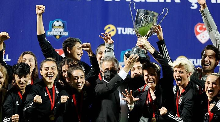 Turkcell Kadın Futbol Ligi'nde şampiyon Beşiktaş!