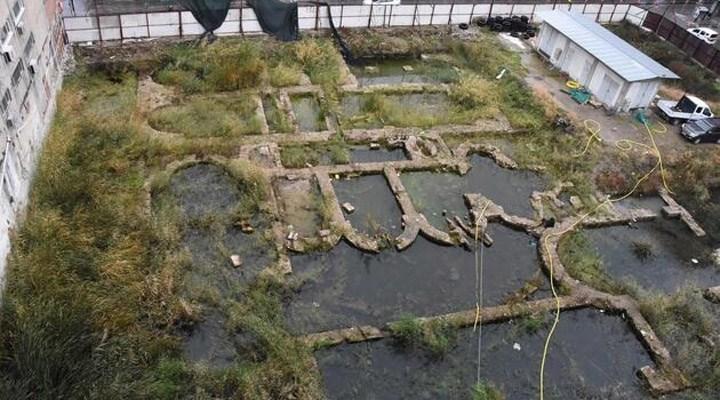 """İzmir'de tarihi alan kiralığa çıkarıldı: """"Yıllardır kaderine terk edilmiş"""""""