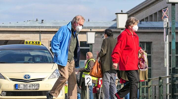 Almanya Sağlık Bakanı: Salgının üçüncü dalgası kırıldı