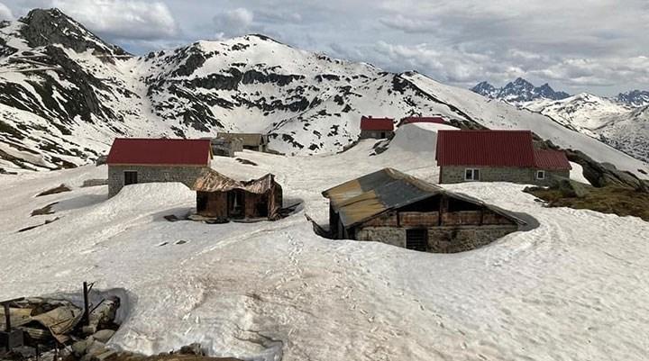 Ardeşen'de 15 yayla evi kundaklandı