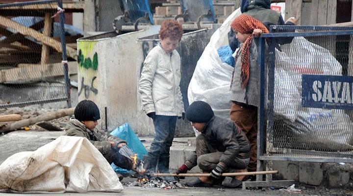 Yoksulluğu unutmaya çalışıyoruz