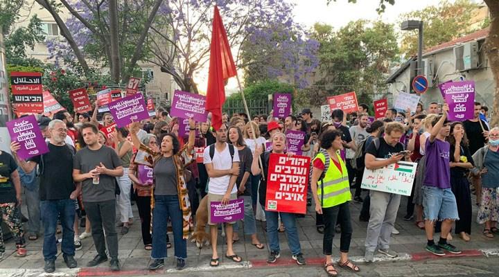 İsrail'de halk, Filistinlilere yönelik saldırıyı protesto etti: Sivil halka saldırıların meşruiyeti yok!