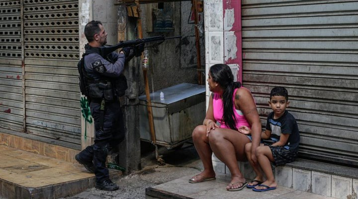 Brezilya'da halk, ırkçı polis şiddeti ve Bolsonaro'ya karşı sokakta