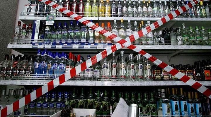Tekellerden hafta sonu alkol satış yasağına tepki
