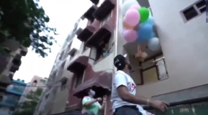 Hindistan'da köpeği helyum balonla uçuran YouTuber tutuklandı