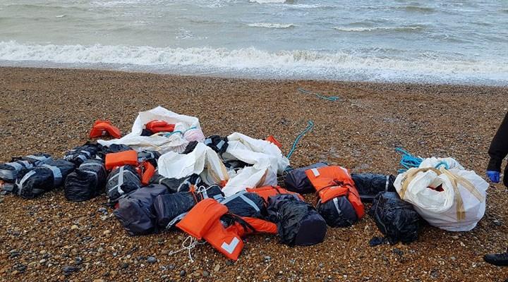 İngiltere'de sahile 960 kilo kokain vurdu