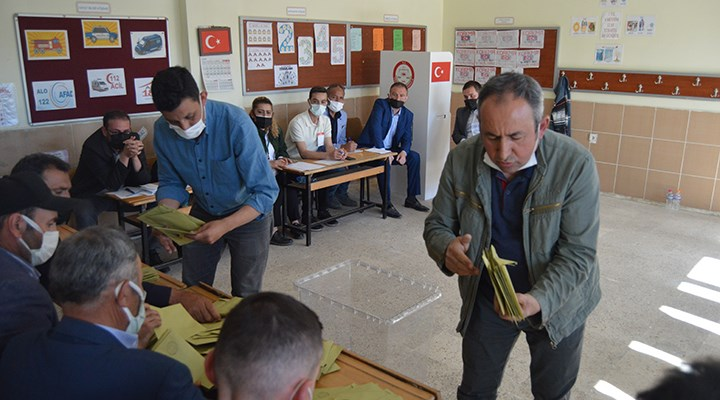 Güney Beldesi'nde seçimi AKP kazandı