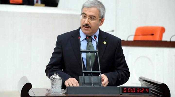 AKP'li eski vekile Kızılay'dan maaş!