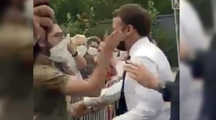 Fransa Cumhurbaşkanı Macron tokatlandı