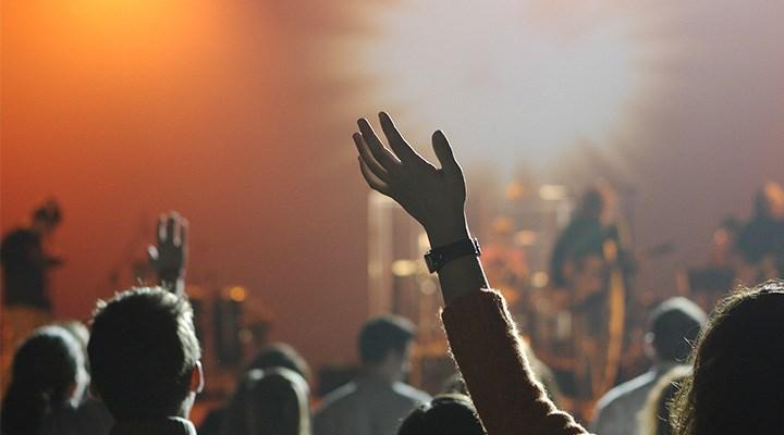 İngiltere'de müzisyenlerden hükümete çağrı: Adil ödeme istiyoruz