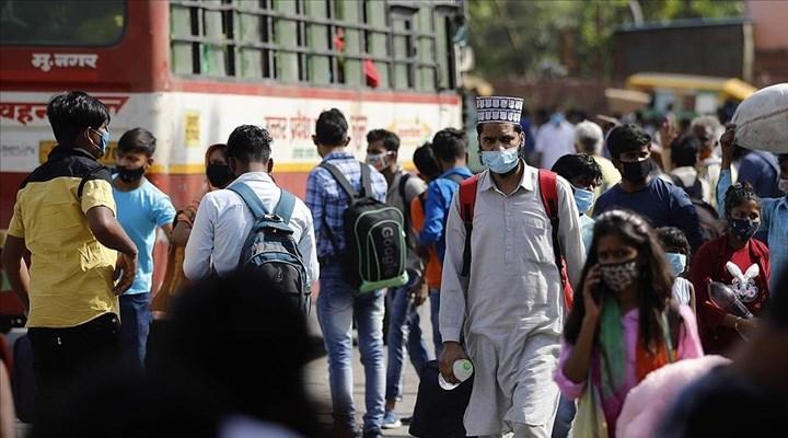 Hindistan'da Covid-19'dan ölenlerin sayısı 359 bin 676'ya çıktı