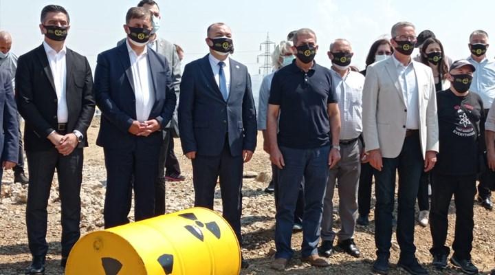 İzmir'in Çernobil'ine karşı üçüncü kez duran adam eylemi: Temizlenene kadar devam