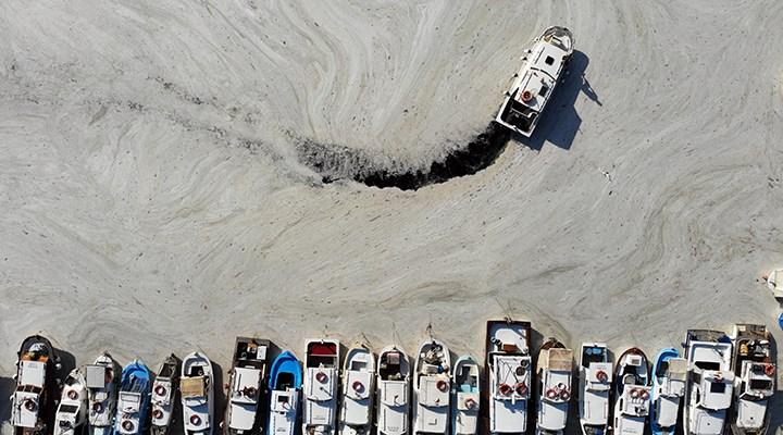 Bakan Kurum: Marmara Denizi'nden 5 günde 1700 metreküp müsilaj temizlendi