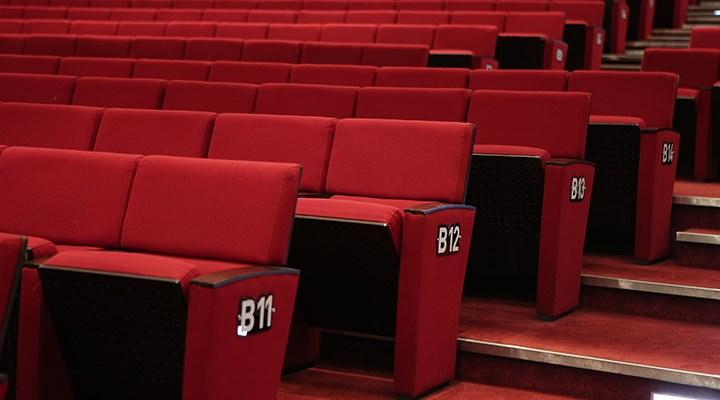 Sinema seyircisi yüzde 70, tiyatro seyircisi yüzde 43 azaldı