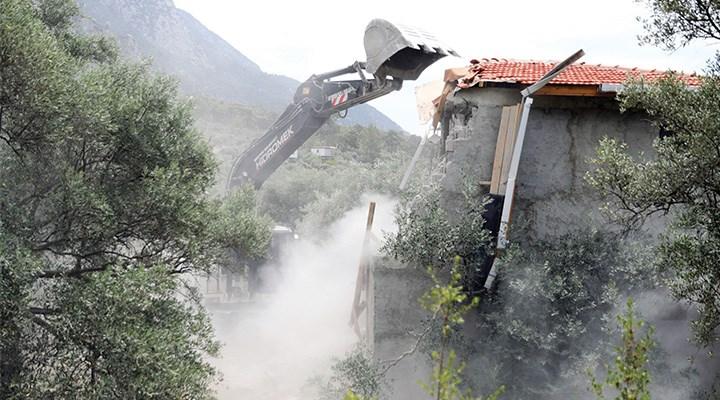 Akbük'de yıkım çalışmalarına devam