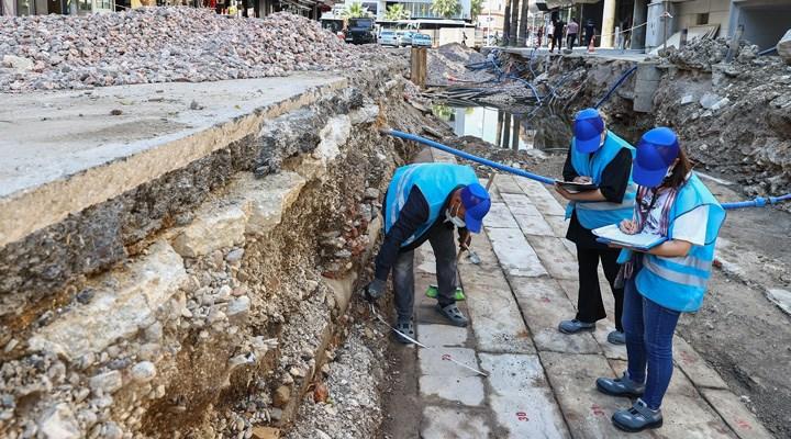 İzmir'de tarihi kaynaklardan bilinen ancak daha önce izine rastlanmayan bir bedesten bulundu
