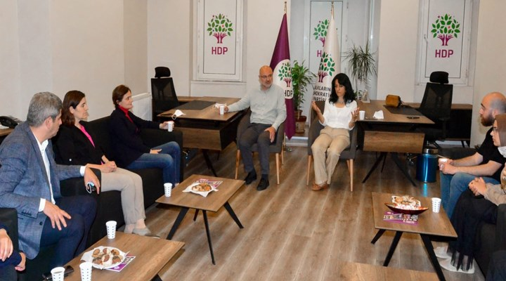 Kaftancıoğlu'ndan HDP İstanbul İl Örgütü'ne başsağlığı ziyareti