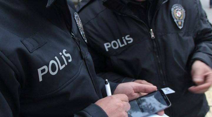 Ağrı Emniyet Müdürlüğü: Patnos'ta AKP İlçe Başkanlığı'na molotoflu saldırı hazırlığındaki 6 kişi yakalandı